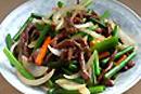 細切り牛肉とニンニクの芽炒め